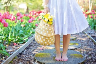 barefoot-blooming-blossoms-413707